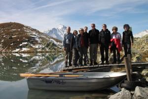 Wandergruppe am Surettasee